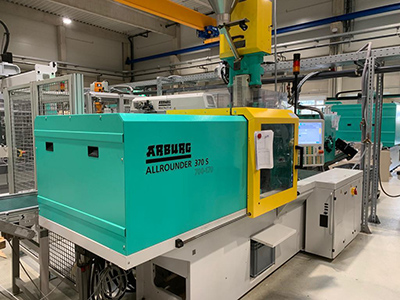 BKT investiert in neue Spritzgiessmaschine